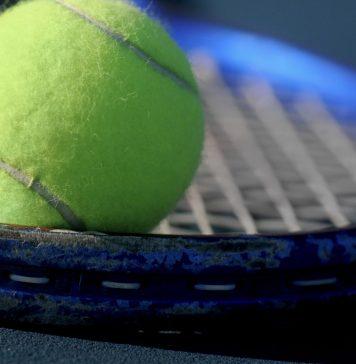 Tenis i piłka nożna online za darmo. Co obejrzeć 17 stycznia?