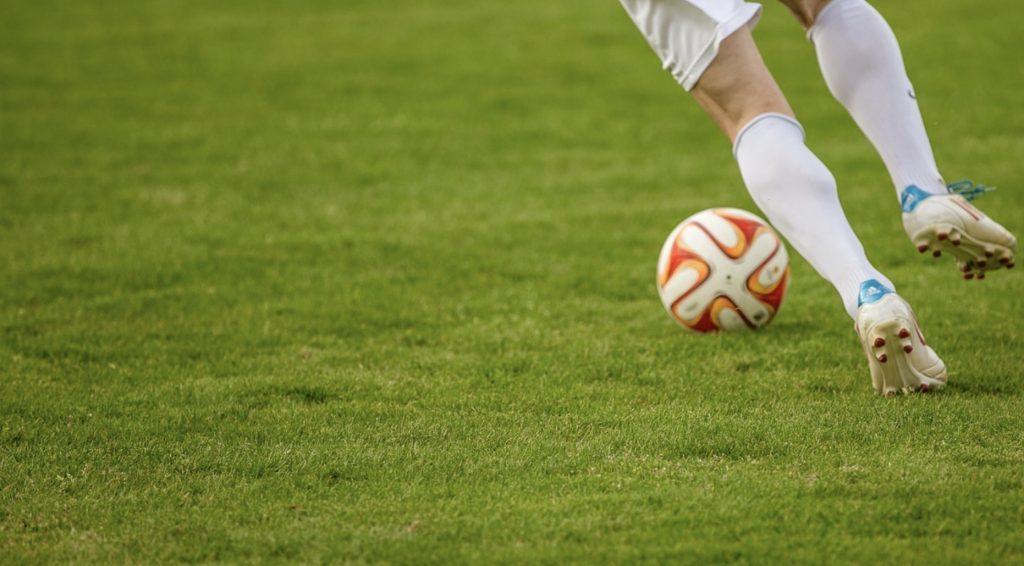 Środa pełna hitów. Widzew - Legia, Liverpool - Arsenal i nie tylko. Gdzie oglądać mecze? - 30 października
