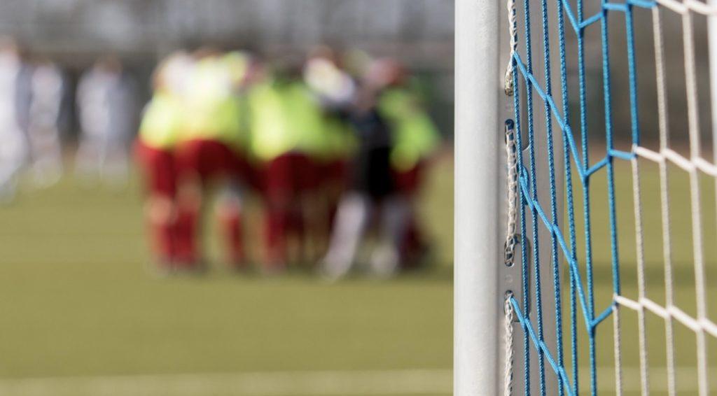Legia II - Piast Gliwice, Burnley - Man City i nie tylko! Jakie mecze online 3 grudnia (wtorek)?